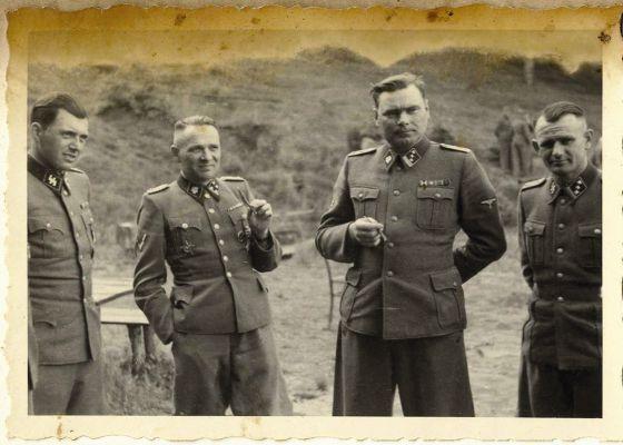 El periodista Thomas Harding reconstruye la historia del 'kommandant' de Auschwitz y del judío alemán que lo detuvo