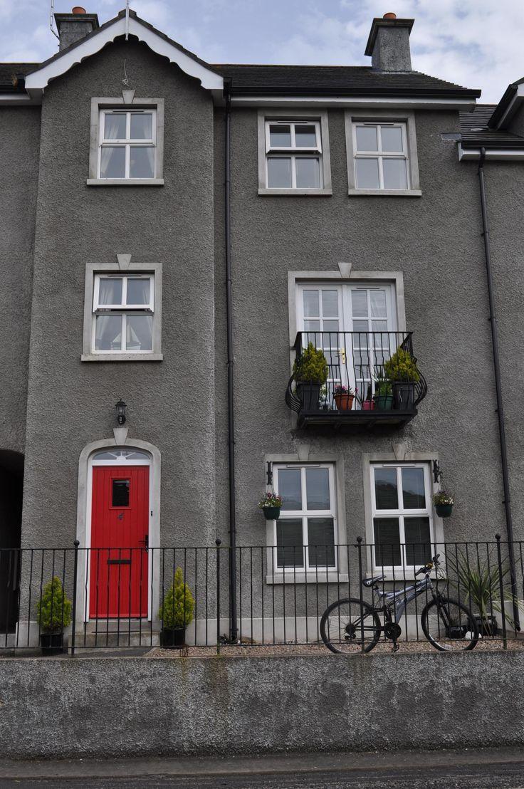 Contrasting Red Door 32 best Scarlet