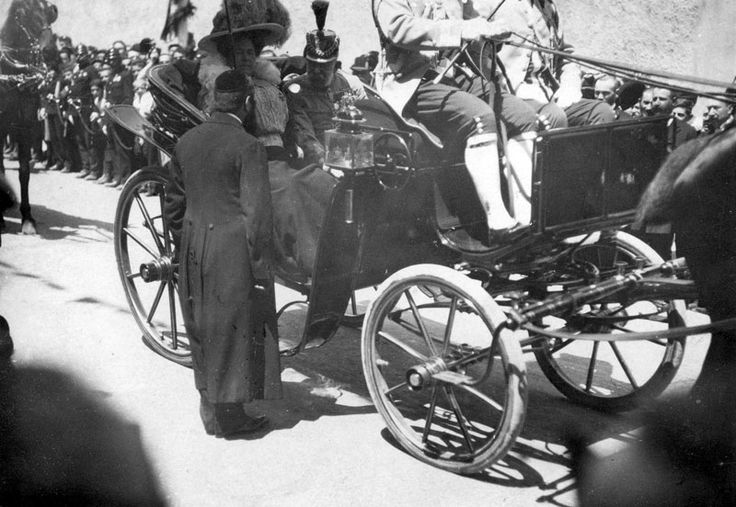 1913, Rabbi Akiva Sofer (with his back to the camera), the Chief Rabbi of Bratislava (Pressburg), welcoming Emperor Franz Jozef during his visit to the city. The Emperor is seated in his carriage next to his wife, and Rabbi Sofer greats the Imperial on behalf of the Bratislava Jewish community