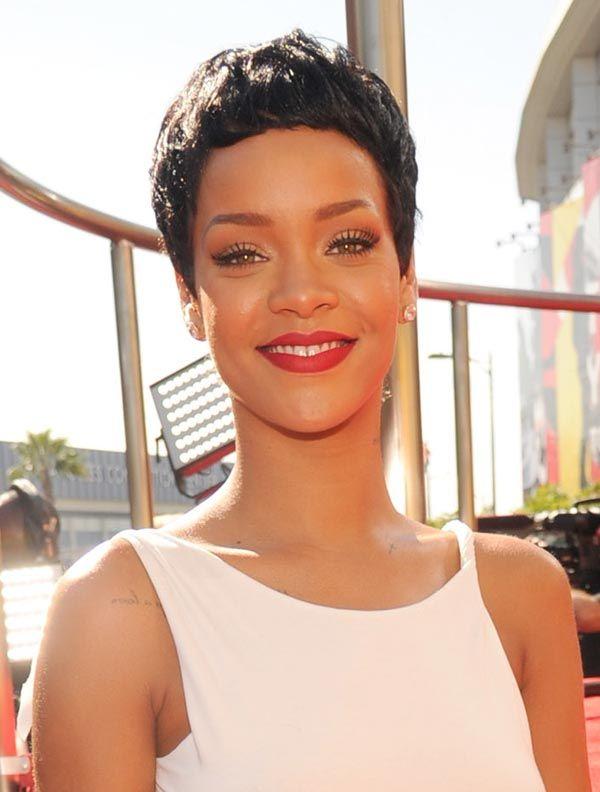 Rihanna's MTV VMA 2012 Hair — See Her Drastic PixieCut