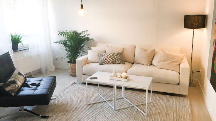Vit Valen låg soffa. Djup soffa, Pantern relaxfåtölj, fåtölj, konstläder, svart, krom, stålben, vardagsrum, möbler, inredning, linne. http://sweef.se/