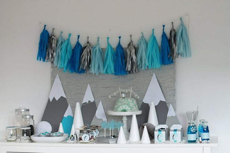 Arktis Party bei Verlockendes. Frosty Tassel Garland.