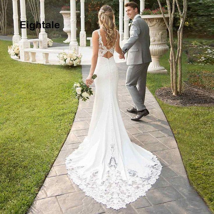 Gown de mariée avec traine en pointe