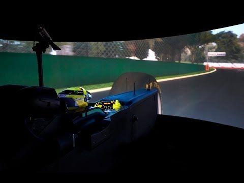 #NicoRosberg průvodcem u simulátoru týmu #MercedesAMG