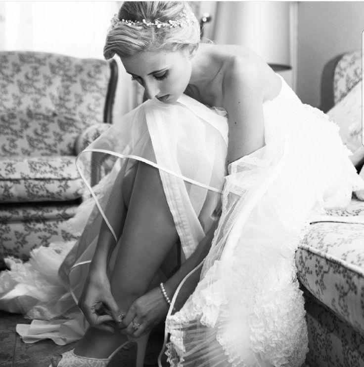 Esmeralda... una de mis primeras  novias.  Sencillamente preciosa #luperamos #zapatospersonalizados #hechosamano #bridge #handmade