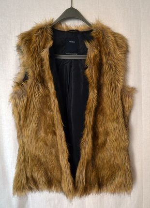 Kup mój przedmiot na #vintedpl http://www.vinted.pl/damska-odziez/kamizelki/10594823-kamizelka-futerko-mis-yessica-ca-42-xl