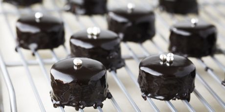 Bake With Anna Olson;  Chocolate Glazed Petit Fours