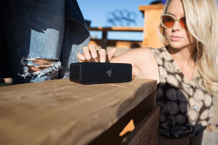 New Razer Phone deal gets you a free Leviathan Mini speaker ($179 value)