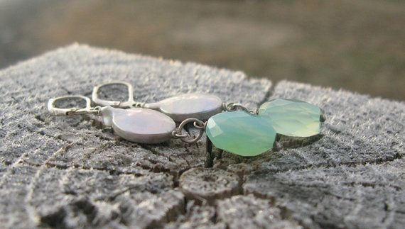 Silver Coin Pearl, Chalcedony and Sterling Silver Leverback #Earrings by BijouxPdE #Jewelry Design #JewelryOnEtsy