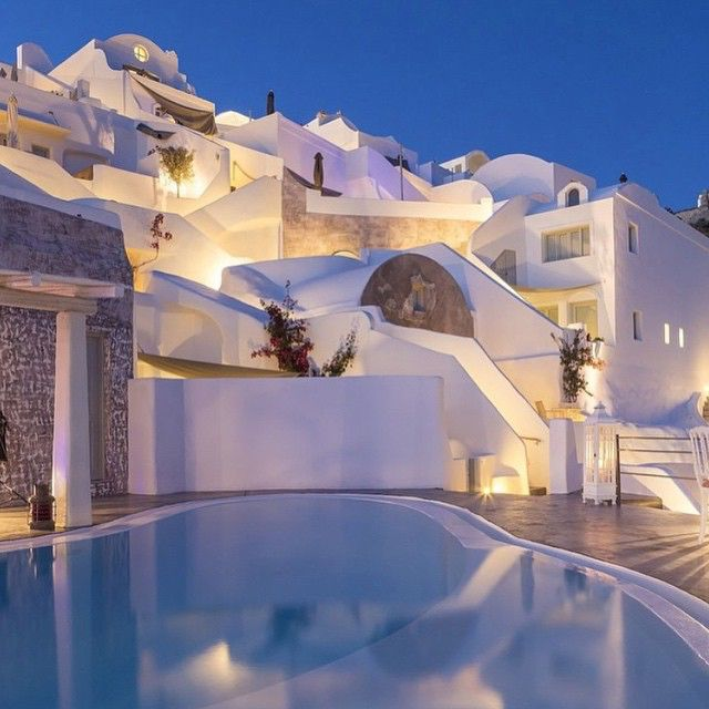 Have A Look At Some Of The Best Examples Cycladic Architecture In Greece From Whitewashed Villages To Astonishing Santorini Hotels