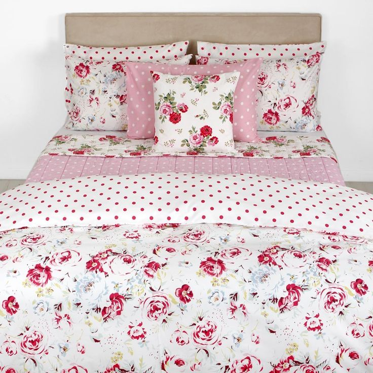 Discover the Cath Kidston Greenwich Rose White Duvet Cover - Double at Amara