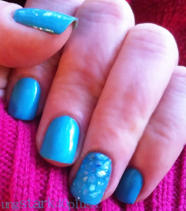 Manikyr med krossade snäckskal - Färg blå, turkos - Naglar - Nagellack