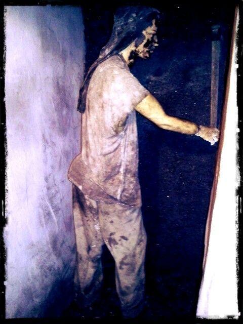A tohoto horníka jsem se skoro lekl, byl jako živý a ještě schovaný v postranní uličce ;)
