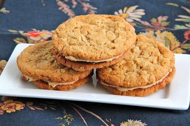 peanut butter oatmeal sandwich cookies | Nom Nom Nom | Pinterest