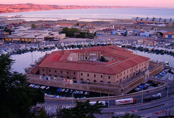 Il Lazzaretto di Ancona, detto anche Mole Vanvitelliana, è un edificio di Ancona progettato dall'architetto Luigi Vanvitelli.