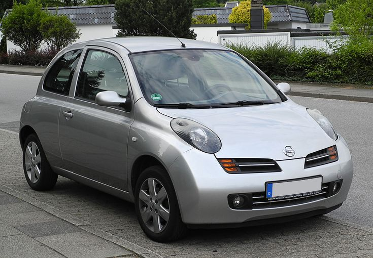Nissan Micra 1.4, the third generation. My grandma have this one. I don't like it. Too light pedals.