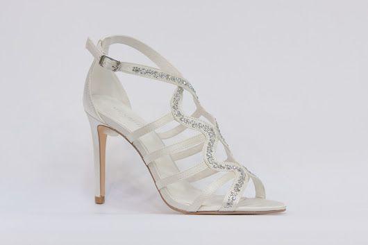 Menbur - nejkrásnější svatební boty, vysoké podpatky, kouzelné romantické lodičky, zdobená svatební obuv, luxusní modely svatebních bot, trendy svatební boty, sandálkový model, k vyzkoušení a zakoupení v obchodě Střevíce a víceFotka