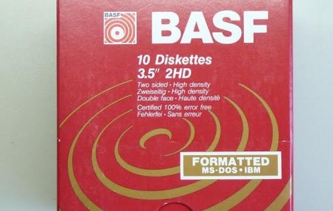 "240 DISKETTES DE 3.5"" + CAJA PORTA DISKETTES  http://www.alamaula.com/buenos-aires/computadoras-electronica/240-diskettes-de-3-5-quot-43-caja-porta-diskettes/1115969"