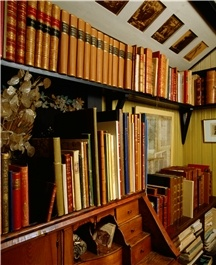 Carl Larsson's home,   Sundborn, has a lovely study.