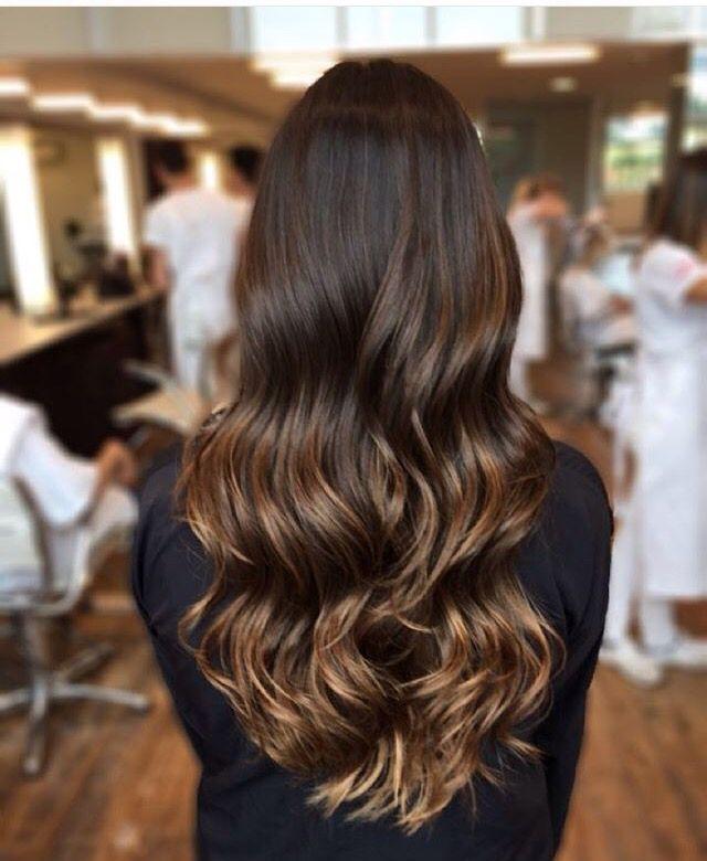 Raiz natural cabelo castanho