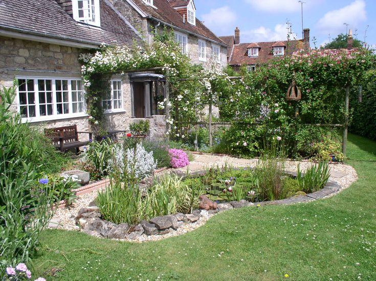 Small wildlife garden garden designed primarily to for Wildlife pond design uk