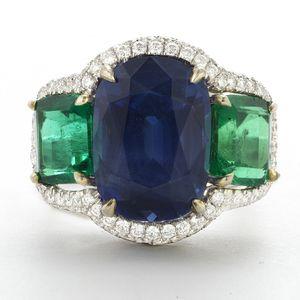 PLATINUM, KASHMIR SAPPHIRE, EMERALD AND DIAMOND RING