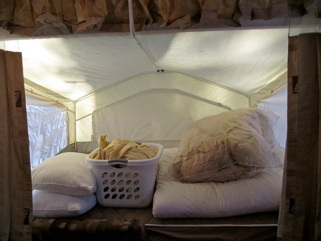 Organizing tips for easy packing a pop-up camper.