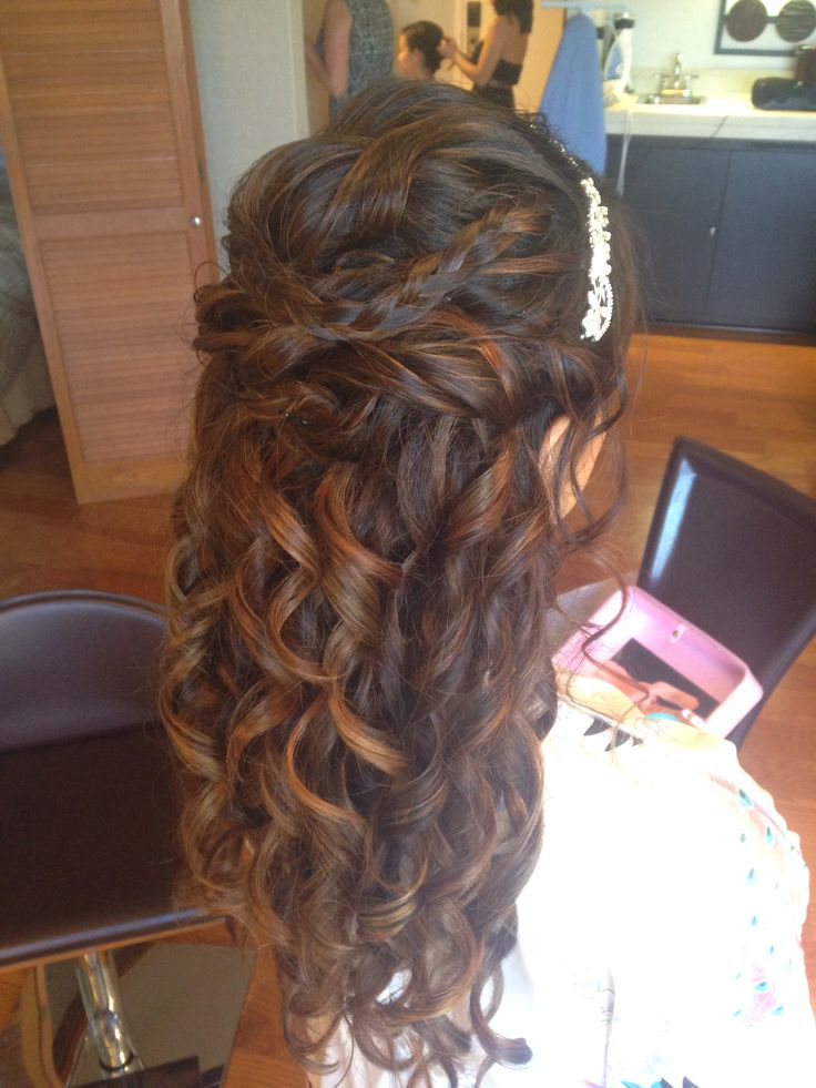 Wedding hair with highlights and a subtle ombré. half up with curls and a headband. Wedding style bridal look. Hair by Megan Lenton.