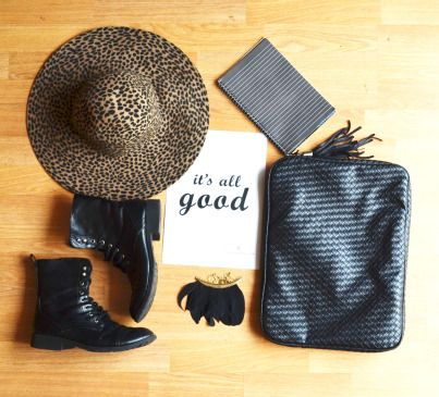 Black outfit for a rainy day. Fashion & design