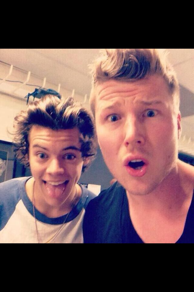 Harry backstage in Sydney