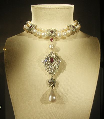 January 2014 Update:The sale was headlined byLa Peregrina, a 16th century pearl necklace,which sold for $11,842,500. The necklace set two...