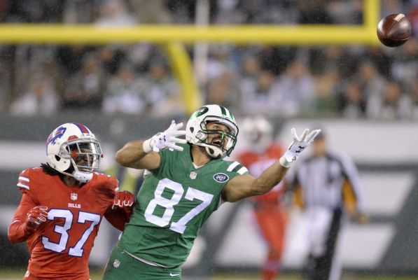 Thursday Night Football: Jets vs. Bills -  Updated November 12, 2015 10:29 PM -  By NEWSDAY.COM   sports@newsday.com -  The Jets host the Buffalo Bills on Thursday at MetLife Stadium. - New York Jets wide receiver Eric Decker (87) can't reach a pass as Buffalo Bills defensive back Nickell Robey (37) defends during the first half of an NFL football game, Thursday, Nov. 12, 2015, in East Rutherford, N.J.