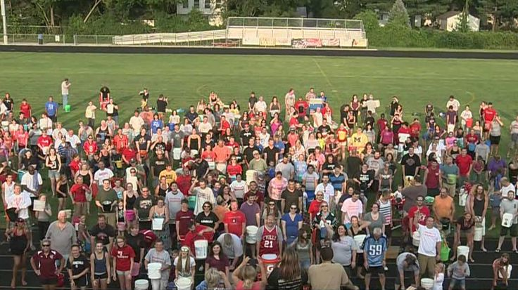 Livonia school takes Ice Bucket Challenge challenge in honor of former NFL player | News  - Home