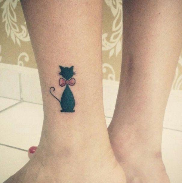 Les 25 meilleures id es concernant tatouages petit chat sur pinterest tatouage de chaton - Tatouage de chat ...