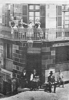 Dundee Arms at 171 Sussex St,Sydney in 1860.  The Dundee Arms was built by John Robertson in 1860, who hailed from Scotland. A timber merchant, he had purchased the plot in 1847 for just over ₤212. Where the deck is now (along the southern wall) which is a quasi beer-garden, was Wharf Lane which joined to the currently non-existing Wharf Street which disappeared with the creation of Day Street in 1906.