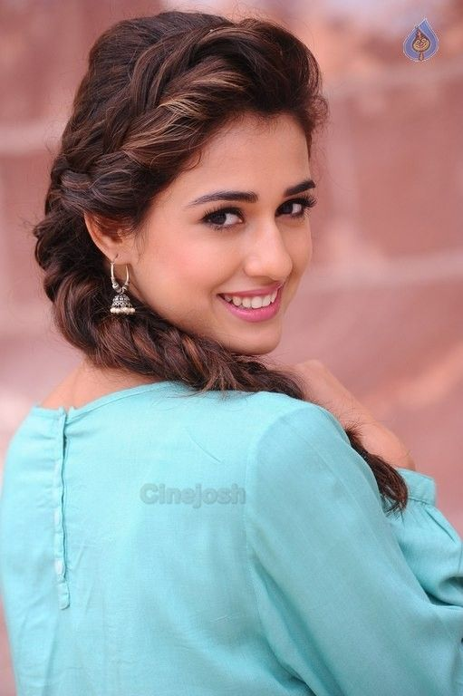 Disha Patani New Pics - 6 / 26 photos