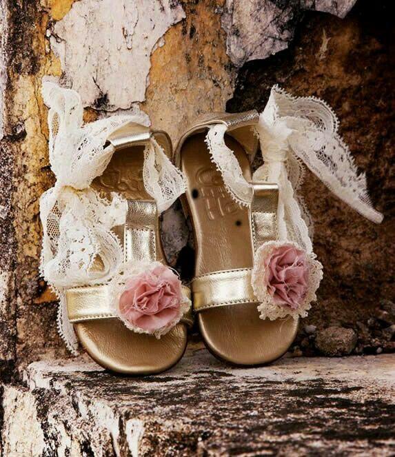 #Παπούτσια #βαπτιστικά ρούχα #designerscat #βαφτιστικά είδη #DesignersCat #ρουχα #βαφτισης  designerscat.com