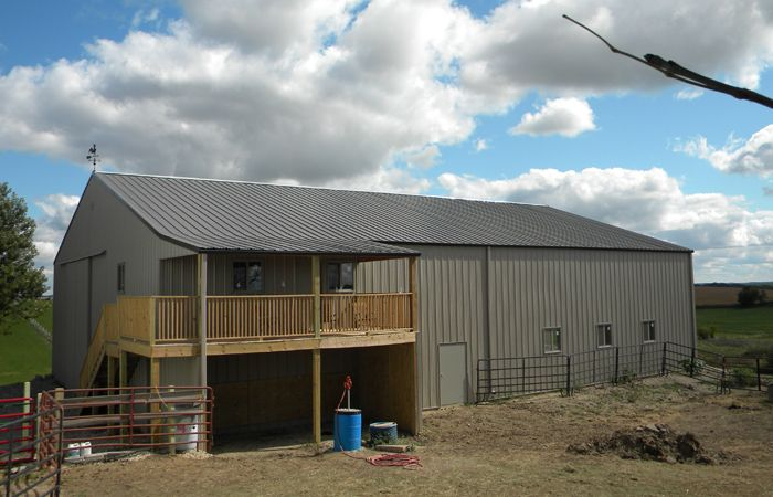 1000 images about barns horse things and such on for Metal buildings with living area