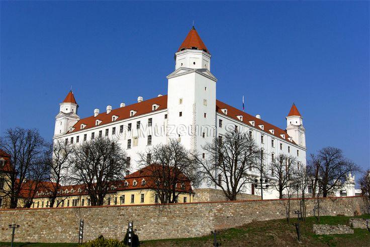 Bratislavský hrad /* Bratislava Castle /Muzeum.SK - múzeum, galéria, hrad, zámok/