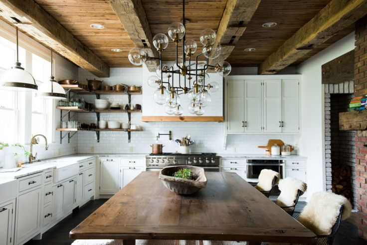 Modern Farmhouse Kitchens. So many stunning farmhouse kitchens full of traditional elements with a twist!  Get ready to be inspired!  This one by Leanne Ford Interiors
