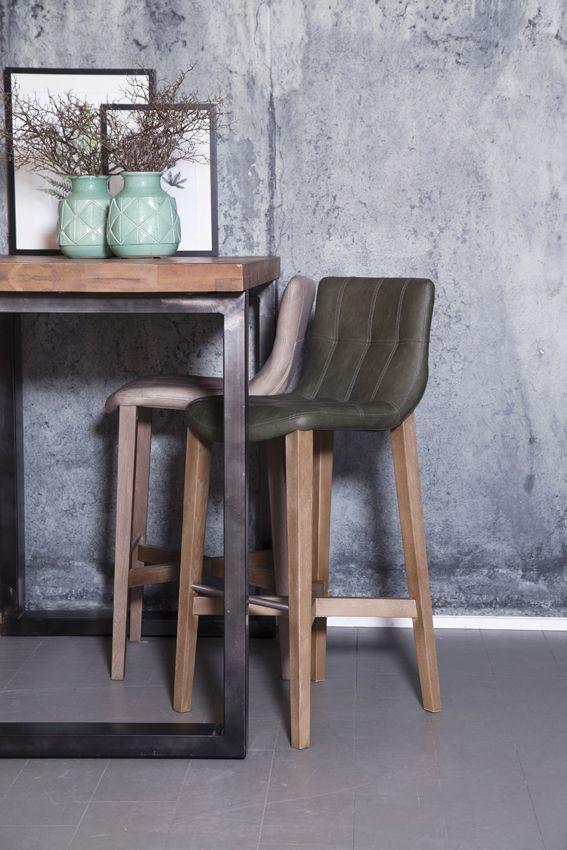 Hoge eettafel met stoelen affordable bartafel dordrecht for Houten bartafel