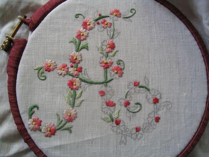 ALFABETI E MONOGRAMMI on Pinterest | Hand Embroidery, Cross Stitch Al…