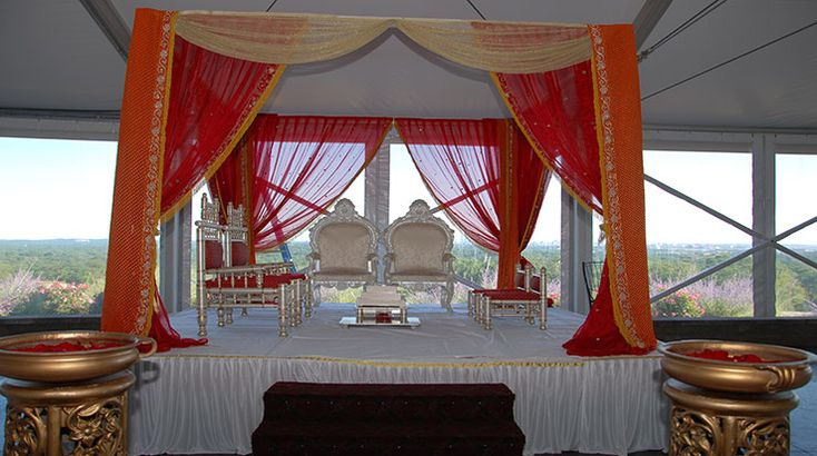 We specialize in decorating various events such as Weddings, Anniversaries, Graduations, Birthdays, Arangetrams, and many more.It is important to find out if it would be able to provide the best design that would meet your satisfaction level in the perfect way. For More Information visit here http://www.prasangdecors.com/.