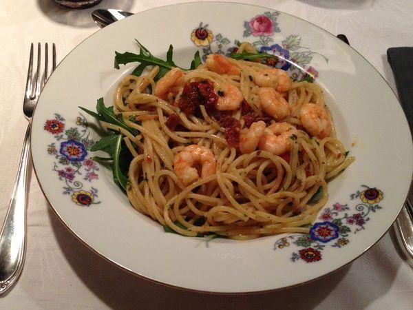Update: Was heerlijk!  Gaan we vanavond eten:  Spaghetti Aglio Olio met zongedroogde tomaten en garnalen