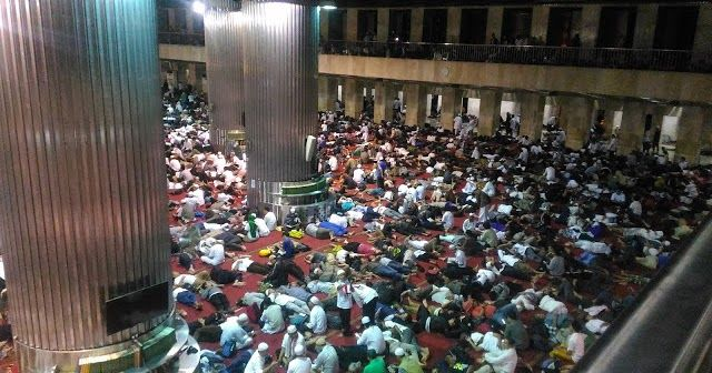 Serasa di Makkah, Beginilah Suasana Malam Masjid Istiqlal Jelang Aksi 112