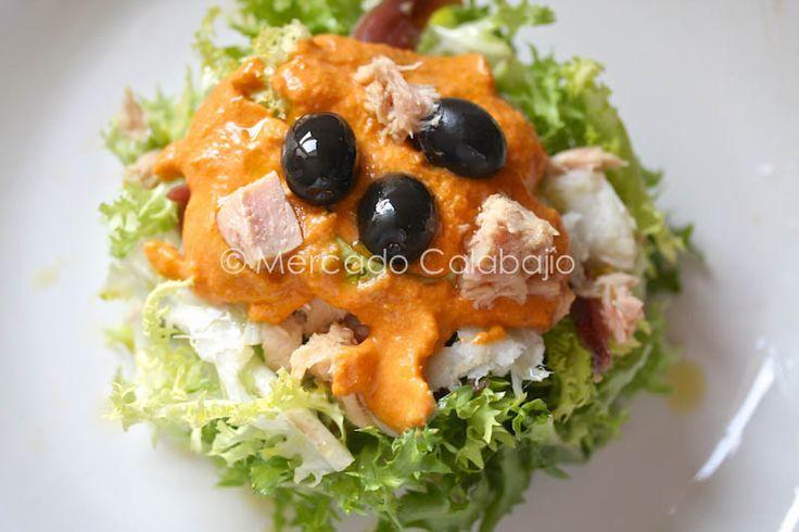 Xat la ensalada de escarola con bacalao y salsa romesco - Aperitivos con bacalao ...