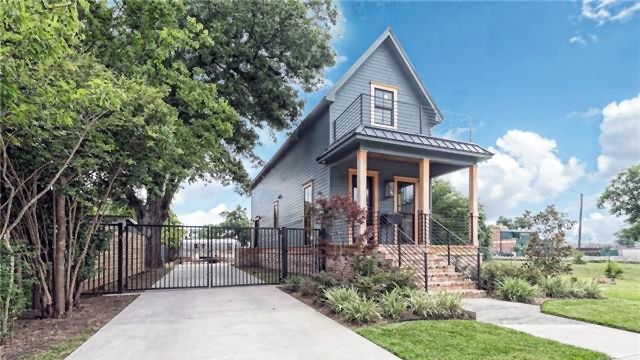 """A Waco, TX, shotgun house that Chip and Joanna Gaines renovated in Season 3 of """"Fixer Upper"""" has hit the market for $950,000. Will it fetch that price?"""