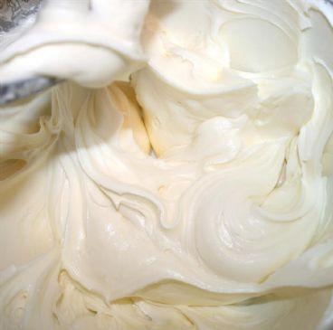 Greek Yogurt-Cream Cheese Frosting (Light) Recipe | via @SparkPeople