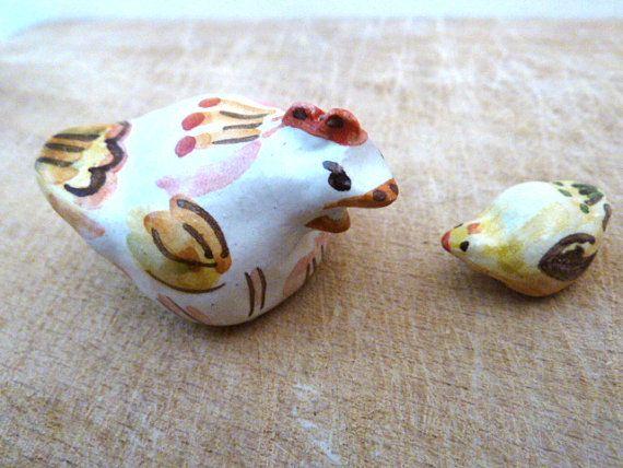 Mamma gallina é arrabbiata con il piccolo pulcino. di LabLiu, €15.00
