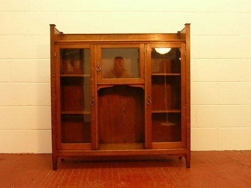 The bookcase An Arts   Crafts oak glazed bookcase   display cabinet dating  circa Ivorine label for Trevor Page of Norwich. 538 best Arts   Crafts furniture   European images on Pinterest